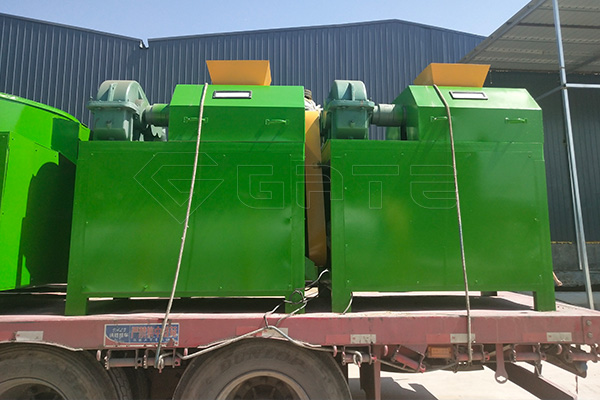 Overview of the structure of the Gate double roller granulator for fertilizer